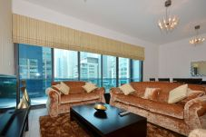 Apartamento en Dubai - Spacious 2br with terrace on Marina