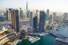 Apartamento en Dubai - Bird`s-eye view over Marina, 2BR