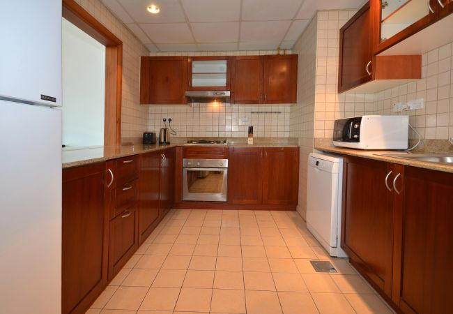 Apartment in Dubai - Spacious 2br with terrace on Marina
