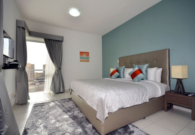 Apartment in Dubai - Pool front 1br apt on the marina