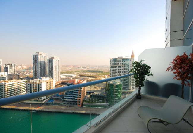 Apartment in Dubai - 2BR duplex Holiday Apartment Rental in Dubai with amazing view