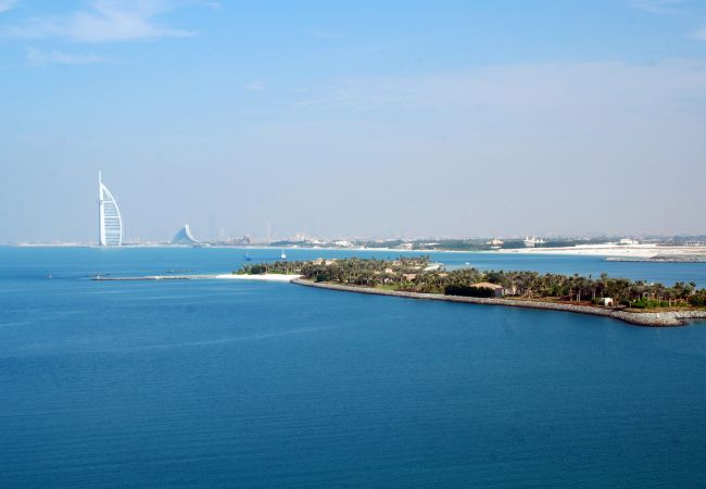 Enjoy Panoramic sea views from your holiday rentals in dubai