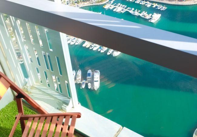 Apartment in Dubai - Mesmerizing view on Marina harbour