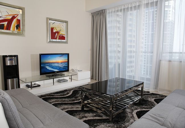 Apartment in Dubai - Luxury Holiday Apartment at Dubai Marina with great facilities