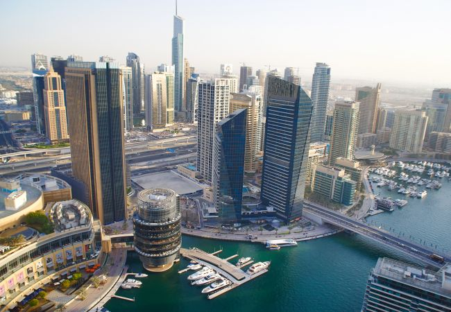 Apartment in Dubai - Bird`s-eye view over Marina, 2BR