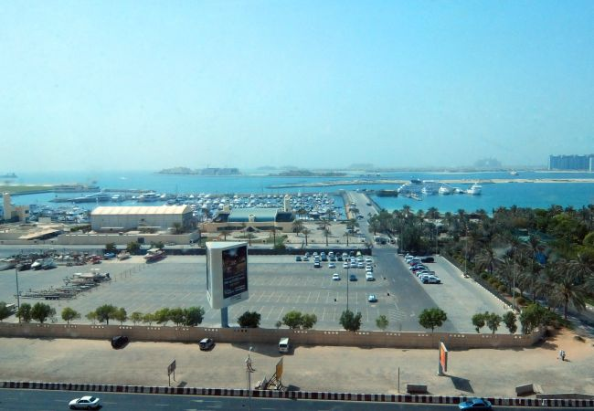Apartment in Dubai - Full beach views from luxury 2br