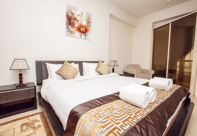 Jumeirah Beach Residence Holiday apartments in Dubai