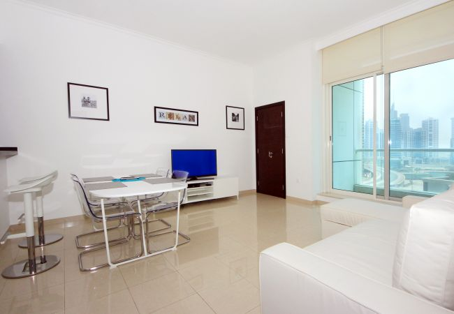 Apartment in Dubai - Best location by the beach and Marina