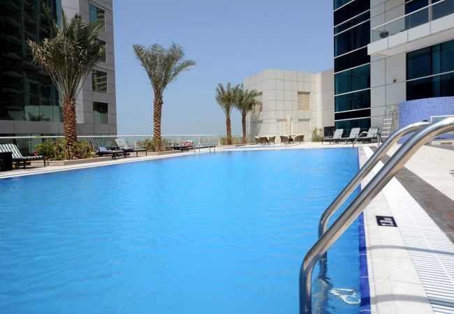Short Term Rentals in Dubai offer 5-star hotel facilities