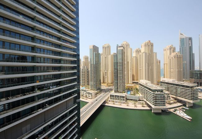 Studio in Dubai - Waterfront studio with style in Silverene Tower