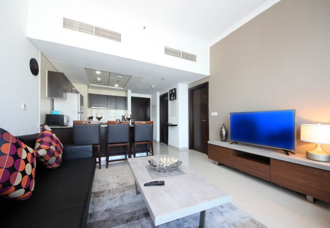 Apartment in Dubai - Panoramic 180-degree view from Dubai Short Term Rental Apartment