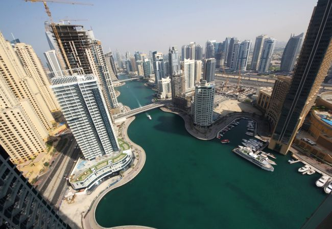 Dubai Short Term Rental Apartments offer the best Marina and skyscraper views