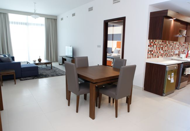 Apartment in Dubai - Lovely 1br with Full Sea View