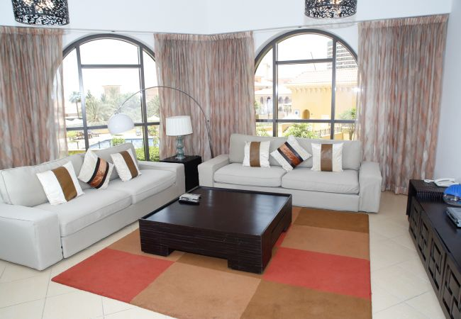 Apartment in Dubai - Chic 2BR Next to the Beach