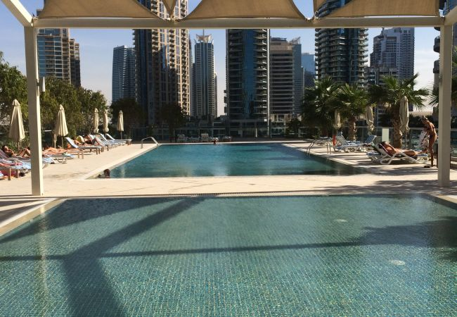 Apartment in Dubai - Incredible 1 Bedroom short term rental By Marina Waters