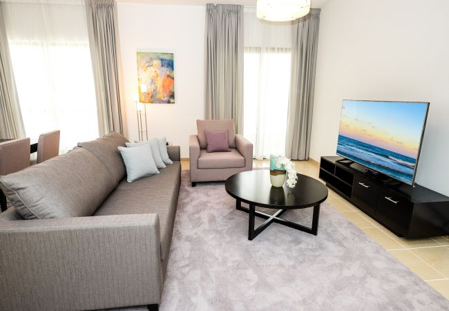 in Dubai - Superb 2 Bedroom Holiday Home in Dubai Next to the beach