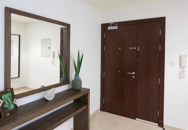 Apartment in Dubai - Designer 1 BR short term rental in Dubai