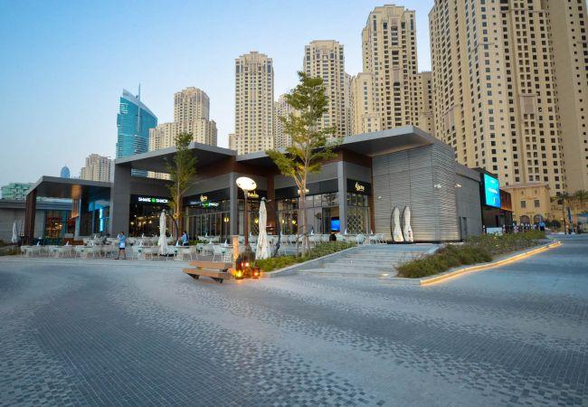 Apartment in Dubai - Mesmerizing 2BR Apartment with Amazing Views