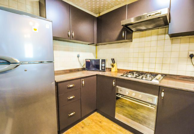 Apartment in Dubai - Well-decorated 1 Bed Apt. Affordable & Accessible