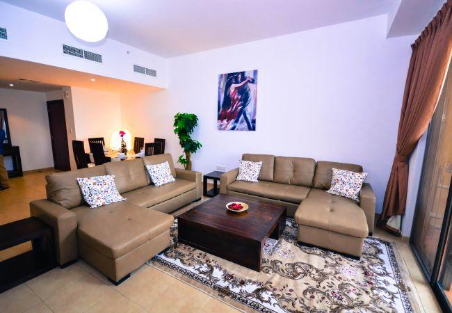 Apartment in Dubai - Gorgeous 3 Bedroom Apartment in JBR