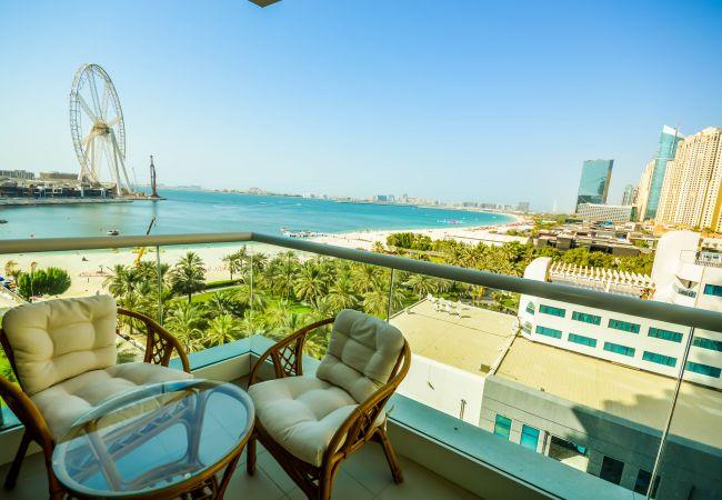 Apartment in Dubai - Spectacular 2BR w/ Picturesque SeaViews