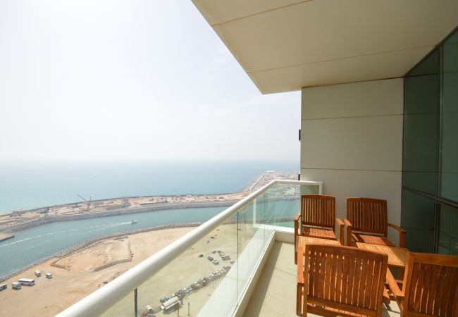 Apartment in Dubai - Gorgeous 2 Bedroom with Amazing Sea View