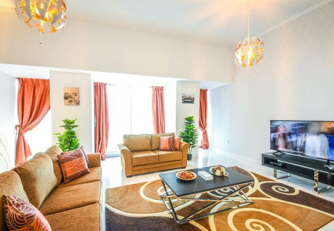 Apartment in Dubai - Charming 2BR Apartment
