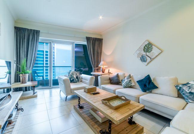 Apartment in Dubai - Substantial 3BR Apartment in Dubai Marina