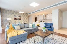 Apartment in Dubai - Stay in new and spacious 3BR right in...