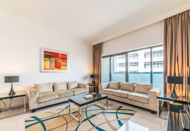 Apartment in Dubai - Bright & Beautiful 2BR Apt. in Business Bay