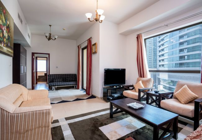 Apartment in Dubai - Beautiful Dubai Short Term Rental on the beach