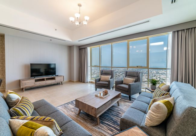 Apartment in Dubai - 3 Bedroom Executive Condo, MBK Tower next to Dubai Downtown