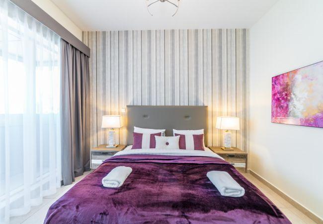 Apartment in Dubai - 2 Bedroom Executive Condo, MBK Tower next to Dubai Downtown