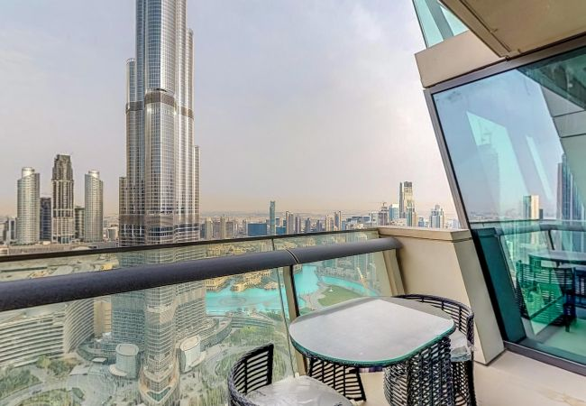 Apartment in Dubai - Immaculate 3 Bedroom Apartment with Burj Khalifa View